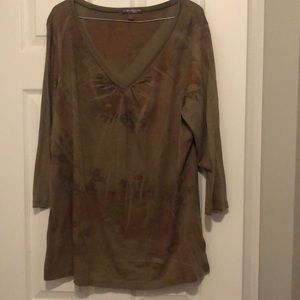 V-neck, 3/4 length size 2X shirt
